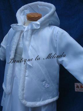 MANTEAU AVEC CAPUCHE BLANCHE CEREMONIE BLANC GRAND PLAN - BOUTIQUE LA MELINDA